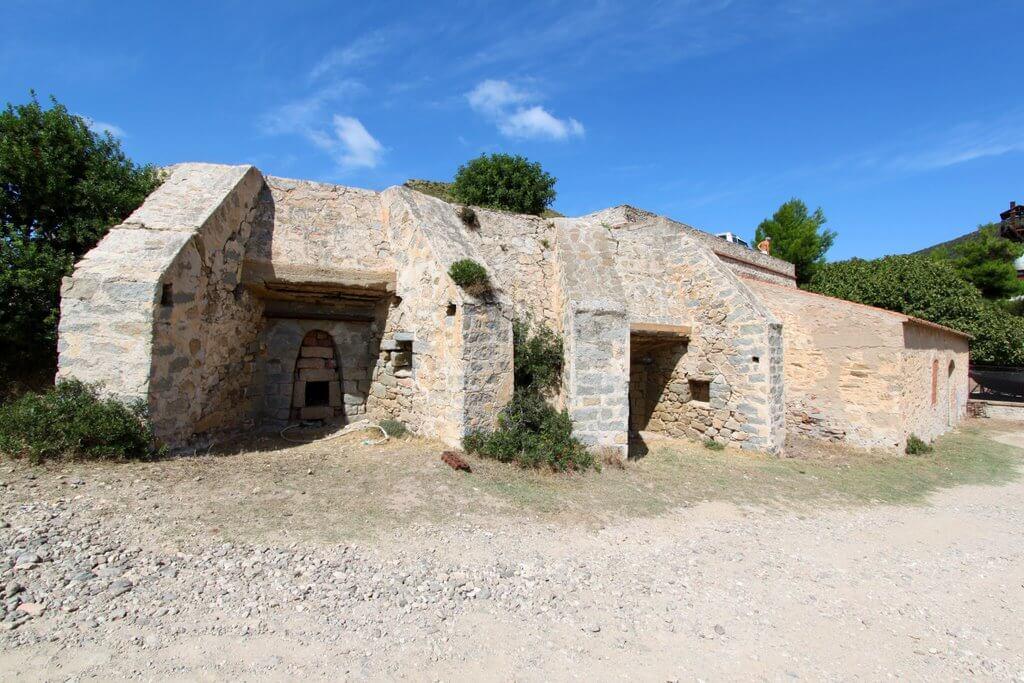 cala-moresca-fornace-abbandonata